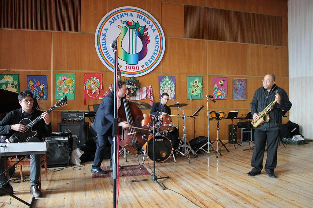 Майстер-клас музикантів квартету Арі Роланда (США) з вихованцями мистецьких шкіл  м.Вінниці