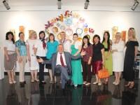 Звітна виставка творчих робіт учнів відділення образотворчого мистецтва у галереї  »Арт-Шик» ,»Палітра весняних барв».