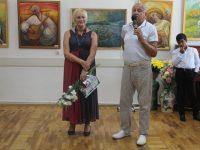 Презентація виставки викладача  образотворчого мистецтва  Р.Ф.Іваненко «.Жила собі краса».